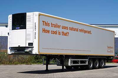 SAINSBURY reçoit la livraison de prototypes de camions frigorifiques